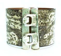 Hook eye bracelet