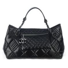 """Chanel Pre-Fall 2008 """"In and Out"""" lambskin bag"""