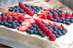 More Jubilee Baking - Union Jack Tray Bake and British Cupcakes - Ren Behan Food | renbehan.com