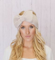 big bow ear warmer- I want  one for winter!