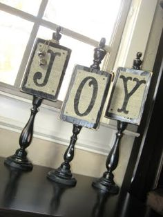 JOY Plaques with candlesticks and burlap
