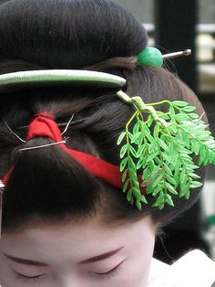 maiko Satoai wearing ofuku hairstyle and green willow kanzashi for June by MYHAPPYPENGUIN on Flickr
