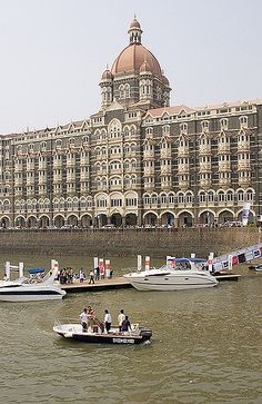 The Grand Taj Hotel, Mumbai Tourist Places, Places To Travel, Places To Visit, Places Around The World, Travel Around The World, Around The Worlds, Jaipur, Mumbai City, Indian Architecture