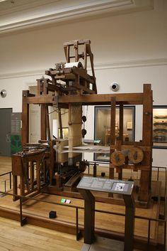 Highly mechanized weaving loom circa 1748