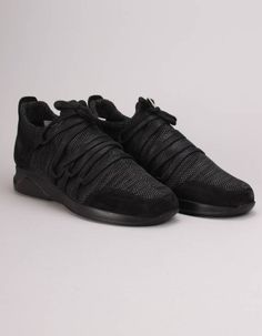 These black and grey woven knit Holloway trainers have suede trims to the toe caps and heel trims as well as prominent external lace up fronts. Gift Card Deals, Designer Kids Clothes, All Black Sneakers, Trainers, Black And Grey, Footwear, Lace Up, Louis Vuitton, Mens Fashion