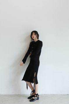 サイドリボンリブニットタイトスカート -【DARKVICTORY】シックな大人カジュアルファッション・ダークヴィクトリー