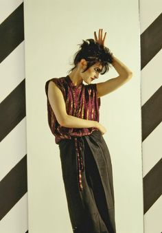 Siouxsie Sioux by Fin Costello London 1980 Siouxsie Sioux, Siouxsie & The Banshees, Goth Music, Post Punk, Vintage Bohemian, Poses, 80s Fashion, Vintage Fashion, Punk Rock