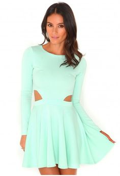Izani Long Sleeved Cut Out Skater Dress - Dresses - Skater Dresses - Missguided - €25