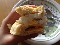 Dukan Bread (without eggs)    what you need 4 tbsp oat bran 4 tbsp skim yogurt/kwark 2 tsp baking powder  what you do - ...