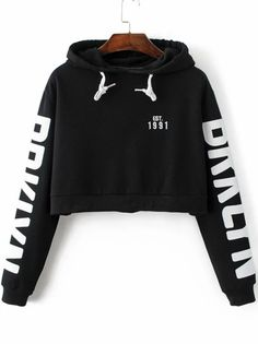 To find out about the Black Letter Print Hooded Crop Sweatshirt at SHEIN, part of our latest Sweatshirts ready to shop online today! Crop Top Hoodie, Cropped Hoodie, Black Hoodie, Trendy Outfits, Cool Outfits, Mode Grunge, Mein Style, Teenager Outfits, Hooded Sweatshirts