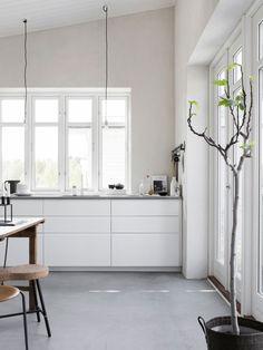 Stylisten Pella Hedeby ny bloggare på ELLE Decoration –kika in i hennes stiliga hem! | ELLE Decoration  http://www.elledecoration.se/kika-in-i-var-nya-bloggare-pella-hedebys-superstiliga-hem