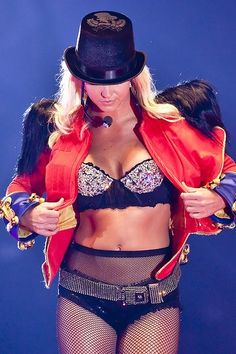 Britney Spears - The Circus Starring : Britney Spears