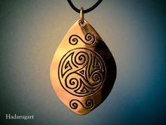 Artizan in cupru Metal Art, Tattoo Designs, Tattoo Ideas, Pocket Watch, Artisan, Pendant Necklace, Deviantart, Drop Earrings, Accessories
