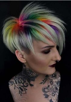 Visit this page if you want to make our short hair looks more elegant and modern. We are going to present here the modern styles and shades of hair color for short hair looks to use in 2018. You may use these best ever hair colors for any special occasion.