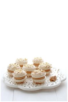 Foodagraphy. By Chelle.: Salted buttered popcorn macarons with salted caramel