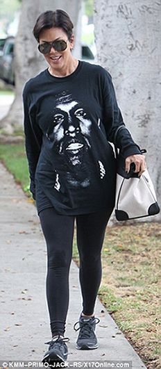 is that Idris on her t-shirt?