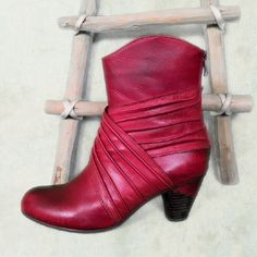 L'Artiste Style Merci Hand Painted Red Boots Adorable red boots! Hand painted high quality leather upper. Comfort padded insole with super soft plaid lining. Full length back zipper. Rubber outsole with a 2 1/4 inch heel. Good traction. Beautiful and unique. Some scuffing on the toe but not too noticeable with the variance in red hand painting of the leather. Size 38 fits 8 or 7.5 L'Artiste Shoes Ankle Boots & Booties