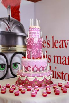 Mr. Peabody & Sherman Marie Antoinette Cake by Fernanda Abarca