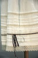 detalle azpigona Roman Shades, Barcelona, Clothes, Traditional Dresses, Embroidery, Needlework, Blue Prints, Outfit, Roman Blinds