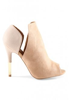 Nellie Gold Dipped Booties in Taupe Shoe Boots, Shoes Sandals, Shoe Bag, Cute Shoes, Me Too Shoes, Trendy Womens Shoes, Dream Shoes, Shoe Collection, Gold Dipped
