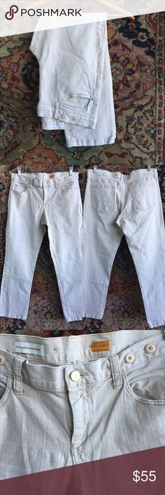 """Anthropologie Pilcro Jeans Lowrise and straight. The only Jeans you need. Perfectly soft and broken in. In excellent condition with no issues. 17.25"""" waist, 9.25"""" rise and 27.5"""" inseam. Anthropologie Jeans Ankle & Cropped"""