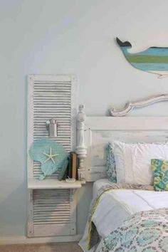 chambre en bleu en blanc de style shabby chic