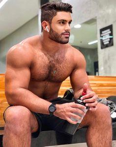 Hairy Hunks, Hot Hunks, Beautiful Men Faces, Gorgeous Men, Eye Candy Men, Coach, Big Muscles, Hairy Chest, Muscular Men