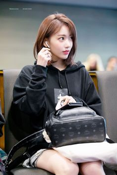 K-Pop Babe Pics – Photos of every single female singer in Korean Pop Music (K-Pop) Kagoshima, Korean Beauty, Asian Beauty, Korean Girl, Asian Girl, Korean Idols, Honda, Sakura Miyawaki, Fandom