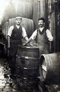 Tonneliers, vers 1910.