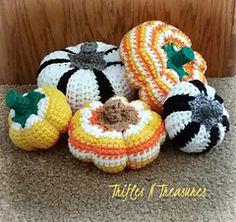 Ravelry: Candy Corn Pumpkins pattern by Tera Kulling