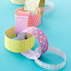 Paper Chain--Write quick notes about what you're grateful for and add it to a paper chain. Have the whole family get involved. The chain is a great use for the paper scrap pile. Link with double-sided tape.