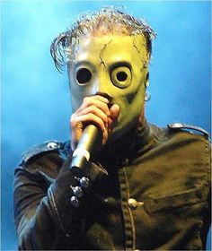 Slipknot's Frontman Corey Taylor | 15 Famous Musicians Who Look WAY Different When They're Not Performing