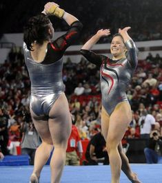 LSU Georgia Gymnastics Georgia's Grace Taylor is greeted by teammate Courtney McCool after competing on floor as the Georgia Gym Dogs defeat LSU Friday Feb. at Stegeman Coliseum in Athens, Ga. Artistic Gymnastics, Olympic Gymnastics, Gymnastics Girls, Gymnastics Leotards, Gymnastics Photography, Gymnastics Pictures, Hot Cheerleaders, Female Gymnast, Sporty Girls