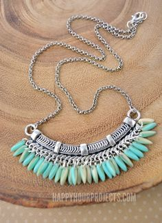 Fringe Beaded Bib Necklace | What a beautiful homemade jewelry project! This DIY necklace is just stunning. #HomemadeJewelry