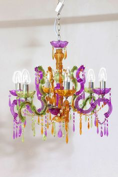 Lámpara de colores, ilumina tu habitación! Elegant, Elegant Lighting, Home Furniture, Ceiling Lights, Home Decor, Light, Chandelier