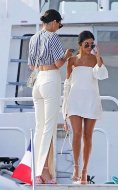 Kourtney Kardashian's style has suddenly become amazing. Here is why her outfits deserve more attention.