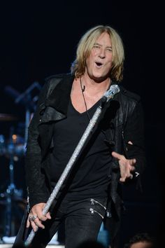 Joe Elliott Def Leppard's Joe Elliott performs at YouTube Presents Def ...