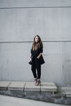 androgynous street style feminine masculine outfits