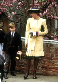 Princess Diana's Best Fashion Moments - Princess Di's Style Timeline