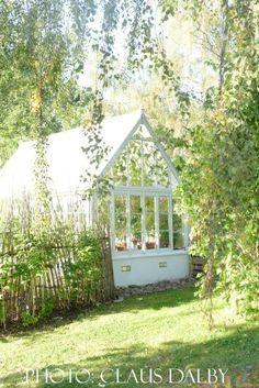 The Greenhouse in Tyra's Garden: Show Me Your Greenhouse - Claus Dalby