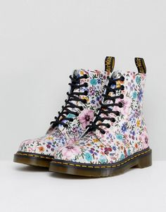 Buy Dr Martens Pascal Lace Up Boot with Floral Print at ASOS. Get the latest trends with ASOS now. Red Doc Martens, Doc Martens Style, Doc Martens Outfit, Doc Martens Boots, Dr Martens Floral Boots, Doc Boots, Combat Boots, Ankle Boots, Style Grunge
