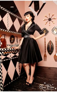e7596f66 Deadly Dames - Haunted Housewife Dress in Black | Pinup Girl Clothing  Dammode, Modeskapande