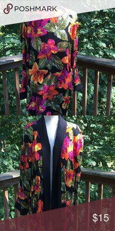 Floral kimono Jacket Gorgeous loose floral kimono with black lapel jigsaw Jackets & Coats