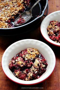 Gluten Free Berry Crisp - the topping is out of this world! crunchycreamysweet.com