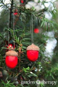 Love these clay acorn ornaments for holiday decorations - use air dry clay so they are super simple to make