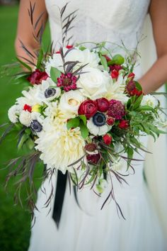 Twigs & Posies :: Garden of the Gods Club :: brides bouquet :: red, black, white :: roses, dahlias, anenome, ranunculus, foliage :: Trystan Photography