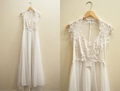 Description    1970s flowing chiffon wedding gown. Venice lace bodice with sweetheart neckline and cap sleeve. Additional lace accent at