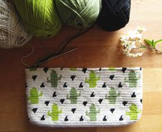 PDF PATTERN: The Cactus Crochet Pouch Make this beautiful and modern crochet bag…, - Herzlich willkommen Crochet Pouch, Crochet Bags, Tapestry Crochet Patterns, Crochet Cactus, Modern Crochet, Crochet Woman, Cactus Flower, Crochet Projects, Things To Sell