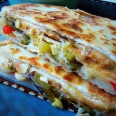 Sincronizadas: Double Stacked Quesadillas @keyingredient #quick #cheese #chicken…