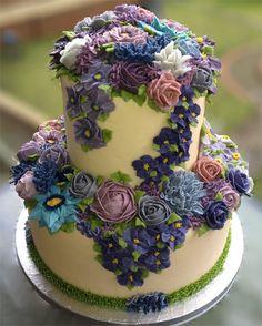 Buttercream cake decorating.